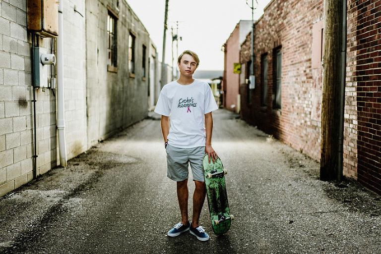 senior guy in an alley, skater, senior picture